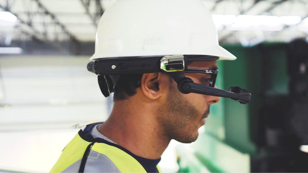 Van Dyk aug reality guy with headset