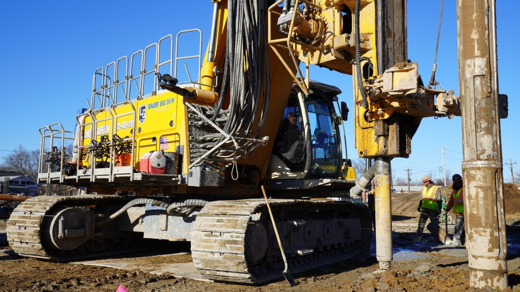 Bauer pile-driving rig