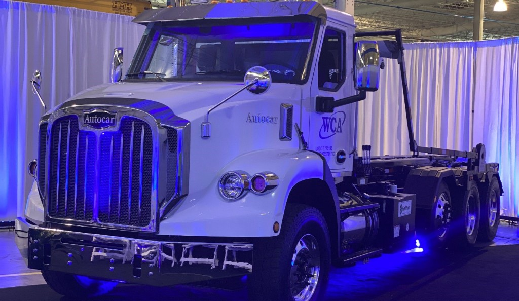 Autocar DC™-64R Severe-Duty Conventional Refuse Truck