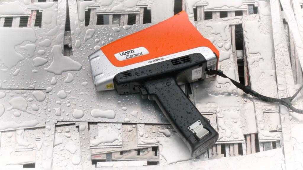 Vanta Element-S handheld X-ray fluorescence (XRF) analyzer