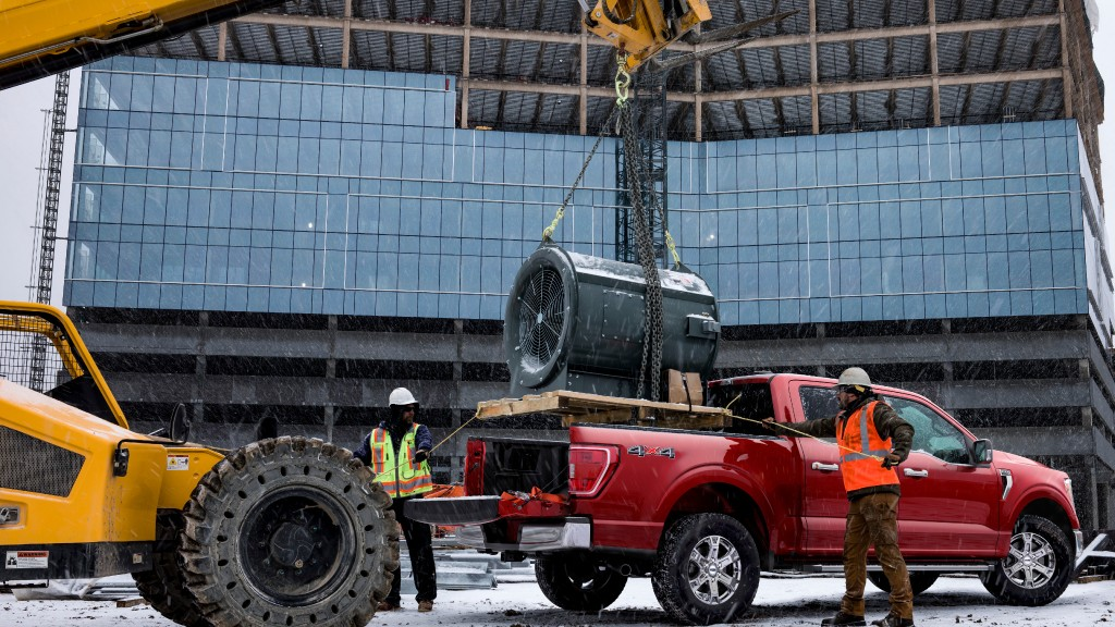 Ford to electrify the construction site with full hybrid F-150 pickup truck