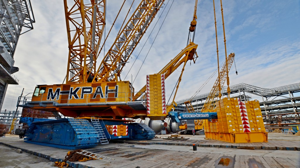 Demag crane in operation on oil rig