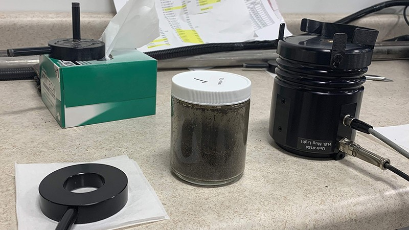 Spectroscopy aids in soil recovery after oil spills