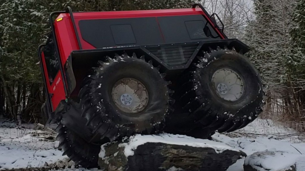 With its massive, automatically adjusting tires, Fat Truck can crawl over any kind of obstacle and terrain.
