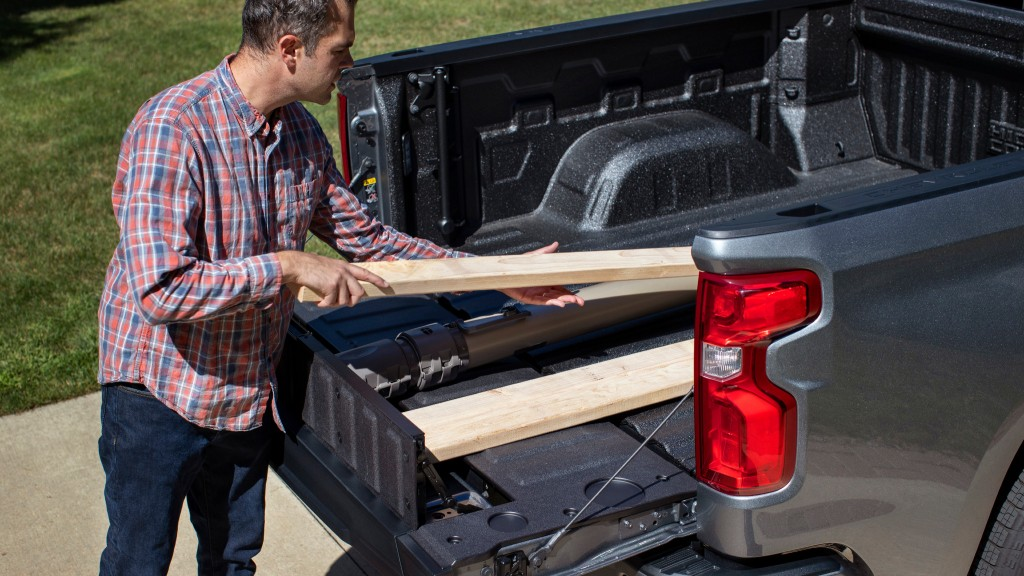 A Multi-Flex Tailgate is available on the 2021 Chevrolet Silverado 1500.