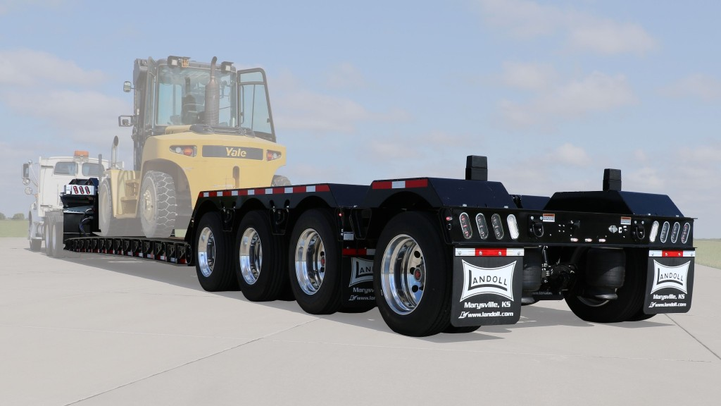 A 860-CE construction detachable trailer.