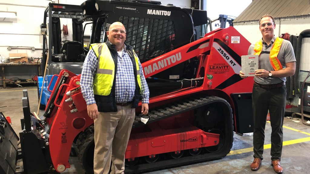 Leavitt Machinery awarded as Manitou's top performing dealer