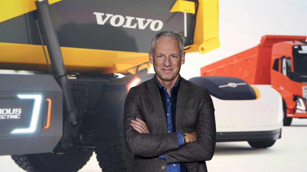 nils Jaeger, President of Volvo Autonomous Solutions, standing in front of a Volvo machine