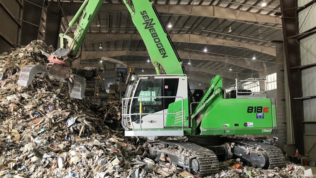 sennebogen 818 material handler at work in a scrap facility