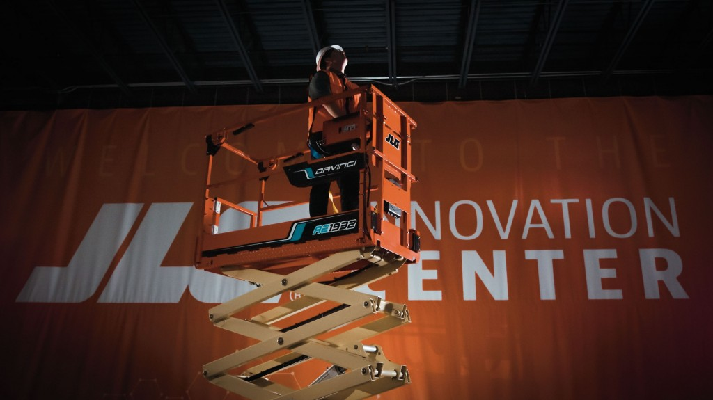 JLG and Oshkosh partner with Microvast to strengthen electrification capabilities