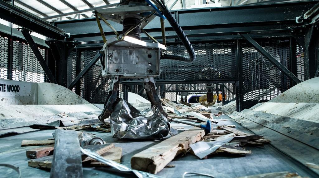 metals being sorted on a conveyor belt