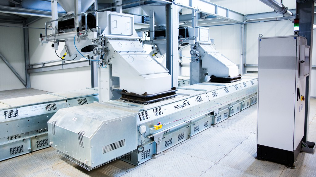 redwave conveyor belts for special applications in the recycling industry