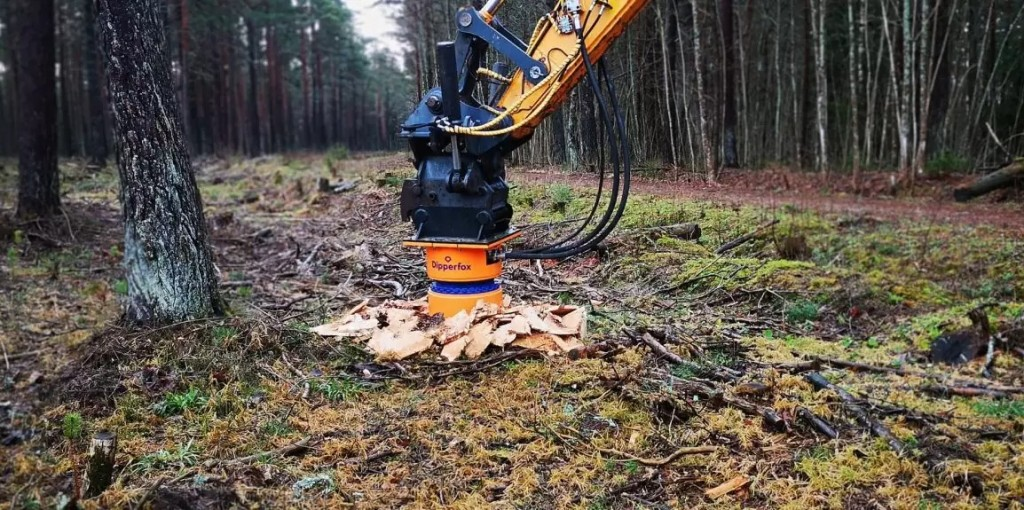 Dipperfox stump crushers now available in Canada