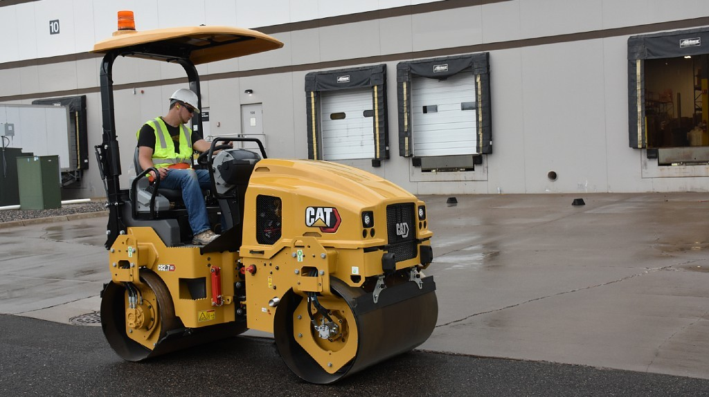 The CB2.7 GC Utility Compactor.