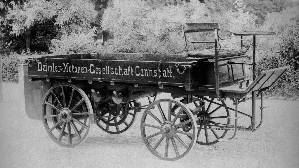 Gottlieb Daimler's first truck, built in 1896.