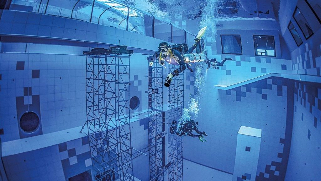 PERI constructs deepest diving pool in the world