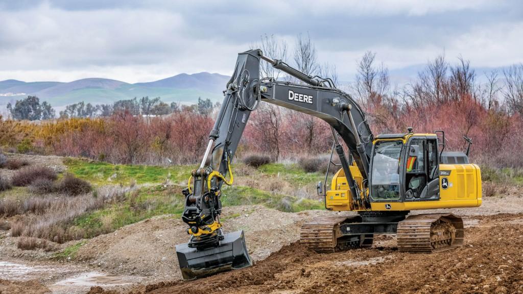 John Deere 210 LG excavator