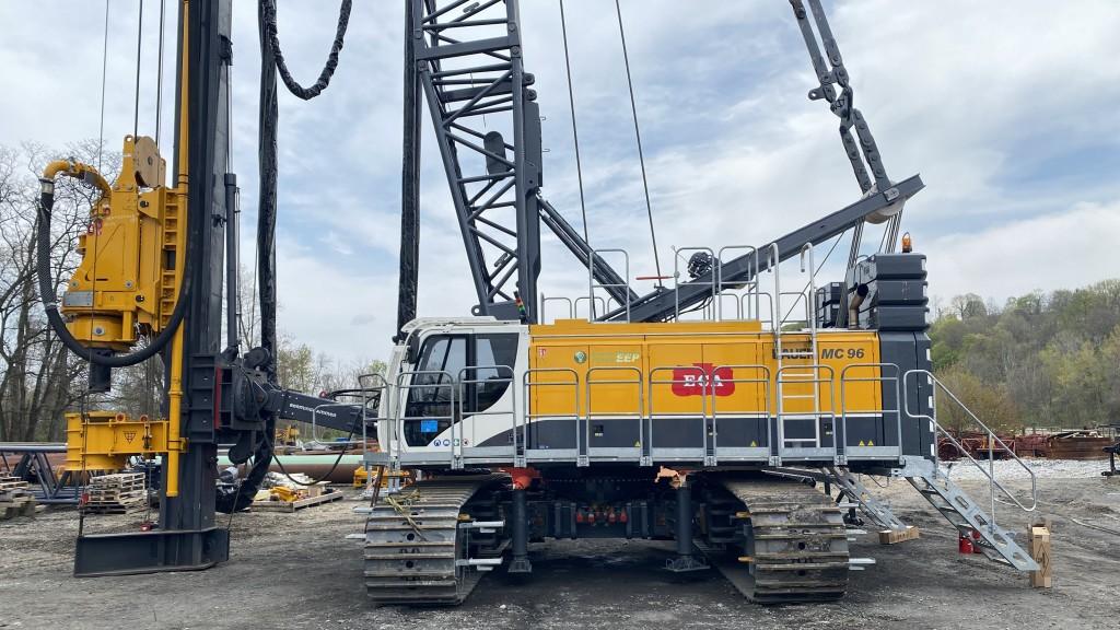 ECA bauer mc 96 duty cycle crane