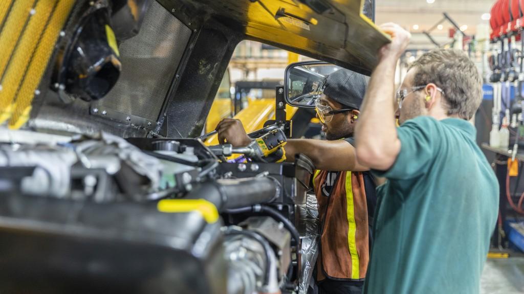 jcb diesel mechanic apprenticeship program