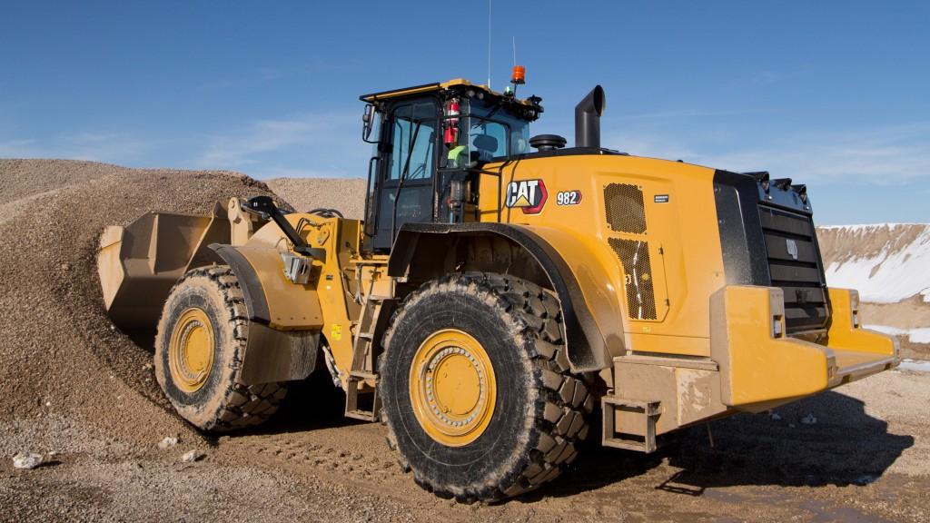 Cat 982 digging in pile