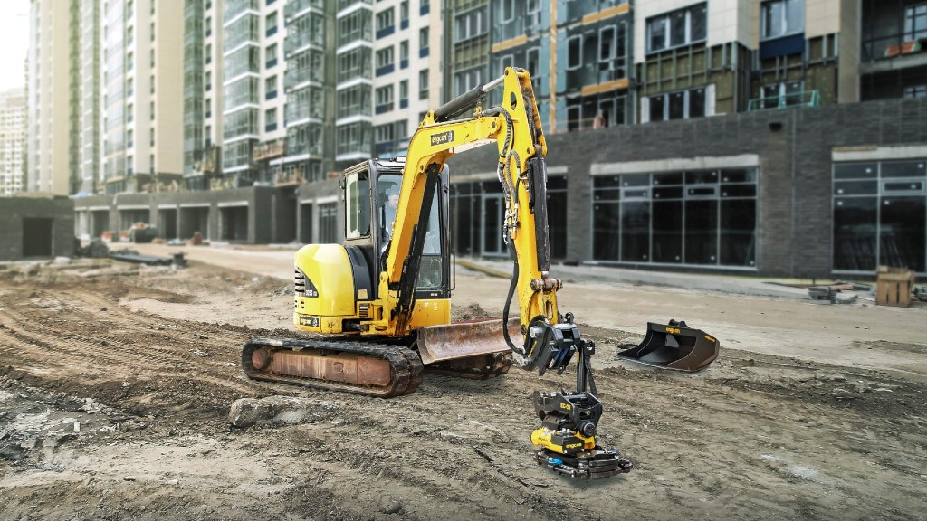 An excavator operator coupling with hydraulic tools