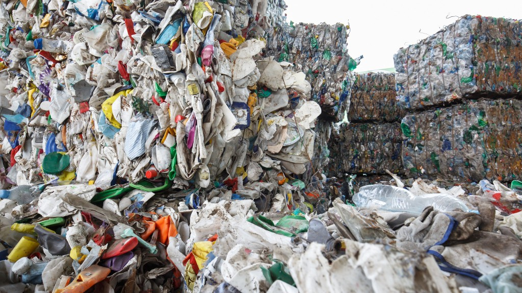 Loose and baled plastic waste