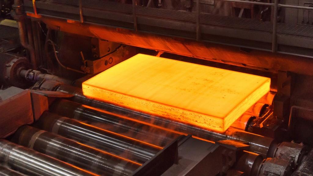 Hot steel on a smelting conveyor