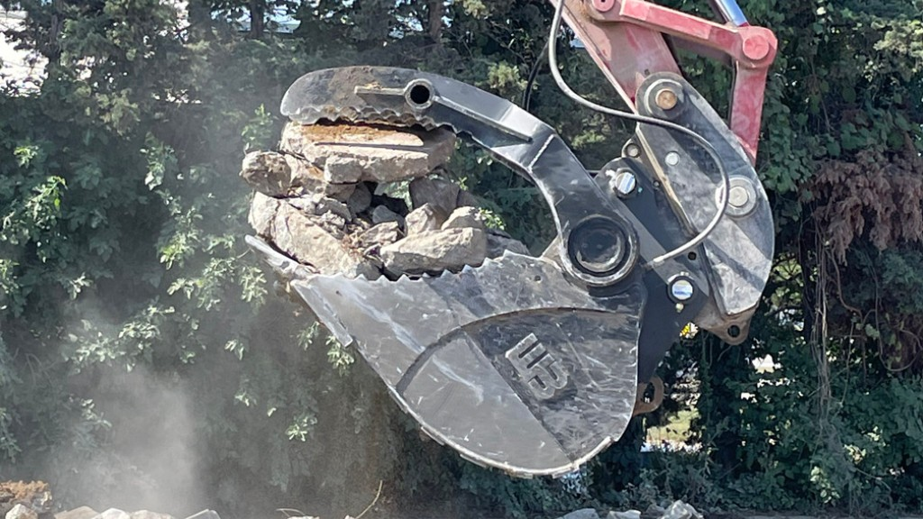 Werk-Brau Hydra-clamp bucket
