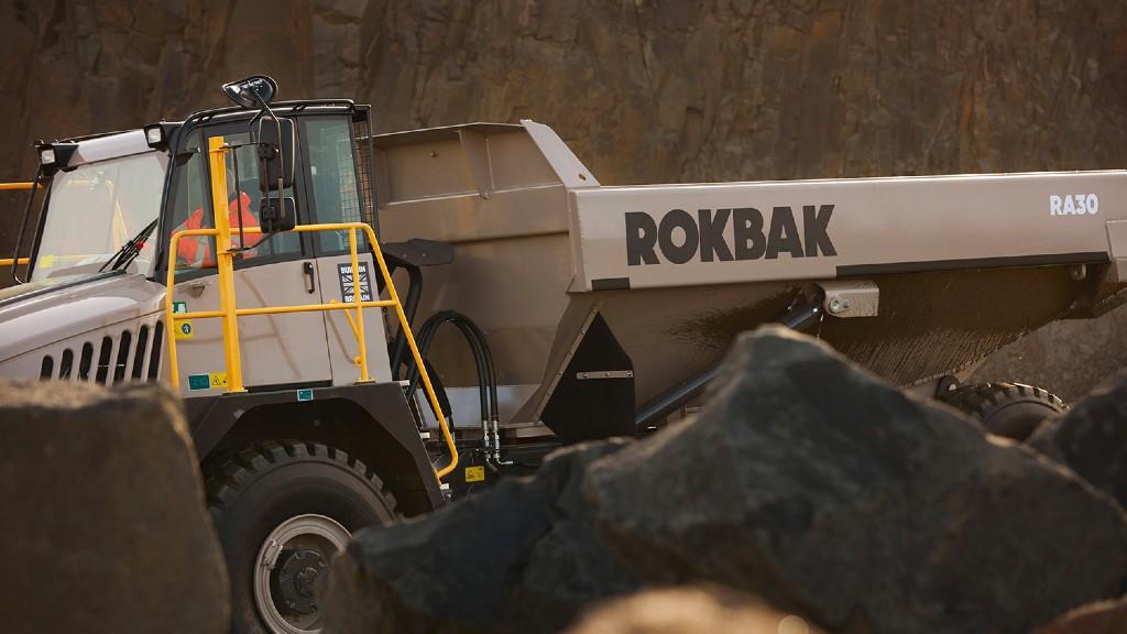 A Rokbok RA30 articulated hauler