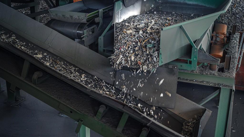 Aluminum going through the sorting circuit