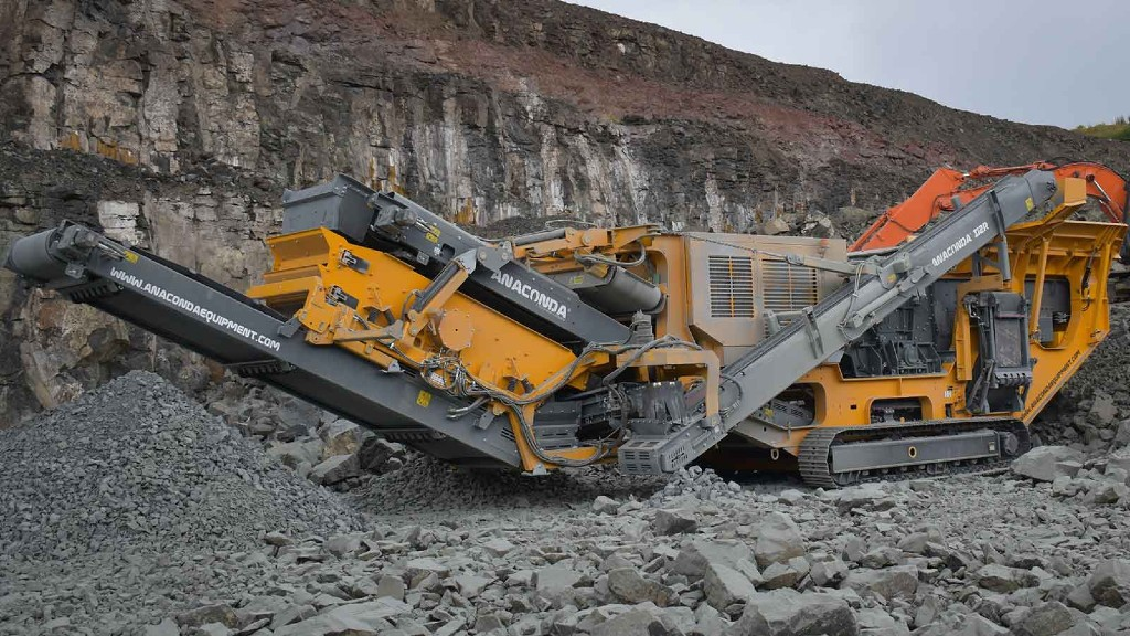 The I12-R impact crusher on the job site