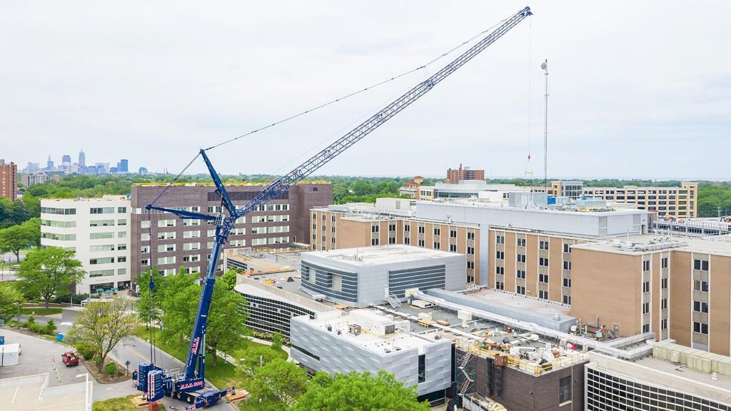 A LTM 1650-81 all-terrain crane on the job site