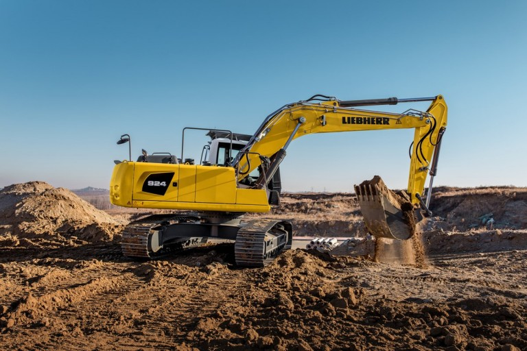 R 924 Litronic Excavators