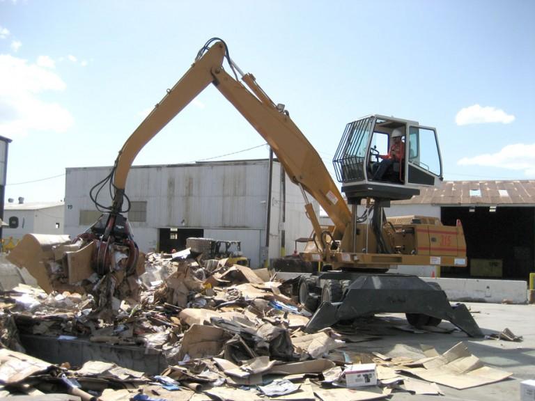 T315 Crane Material Handlers