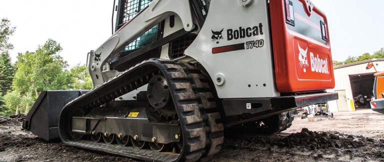 T740 Compact Track Loaders