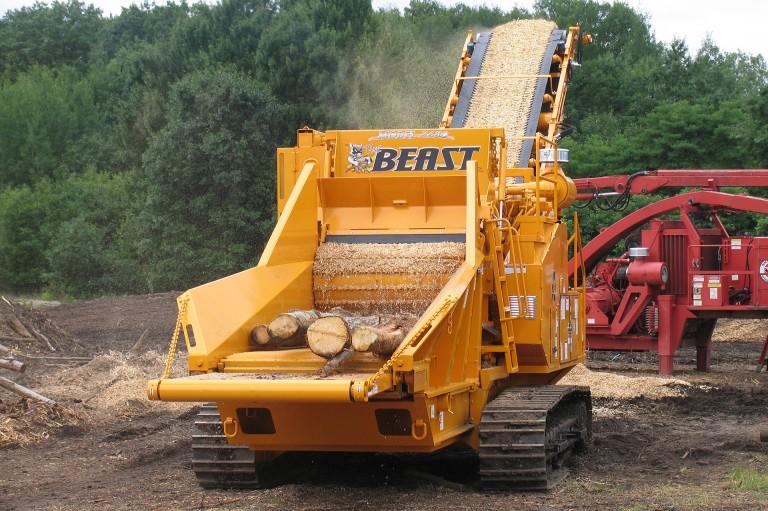 The Beast® Model 2680XP Track Horizontal Grinders