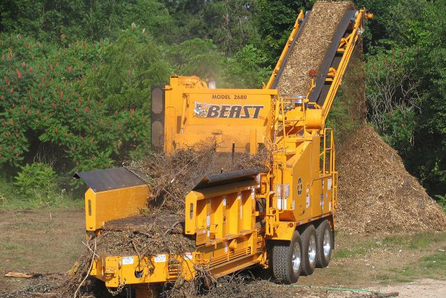 Bandit Industries - The Beast® Model 2680XP Horizontal Grinders