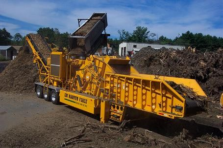 Continental Biomass Industries, Inc. - Magnum Force 8600 Portable Horizontal Grinders