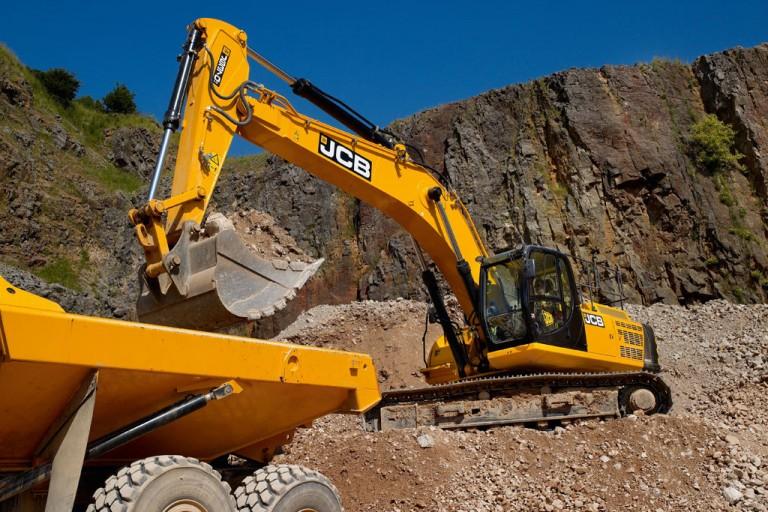 JS 370 Excavators