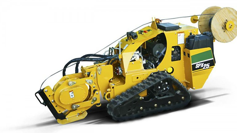 Vibratory plow designed for fast cable, fibre and irrigation installation