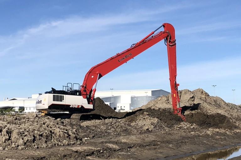 350 X4 Long Front Excavators