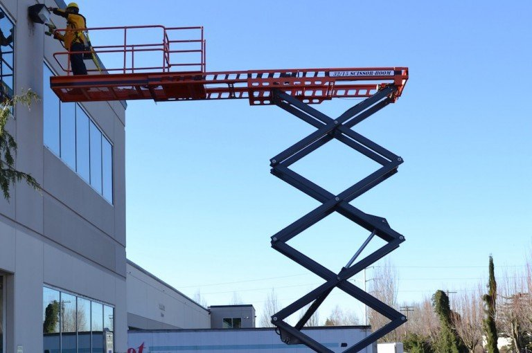 Model 32/15 Scissor Lifts