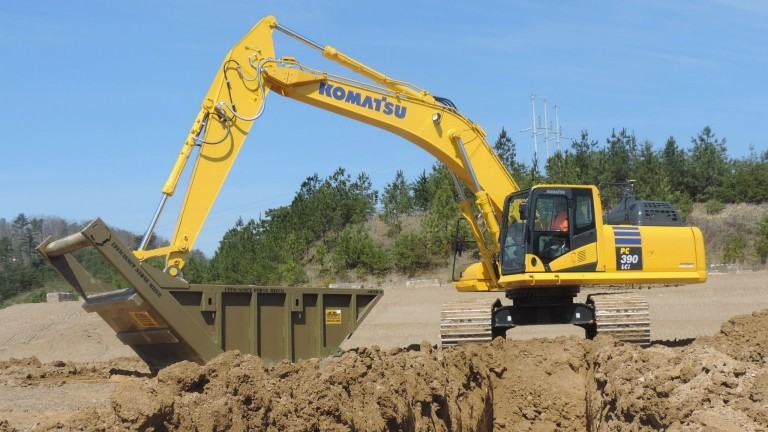 Intelligent Machine Control incorporated into new Komatsu hydraulic excavator