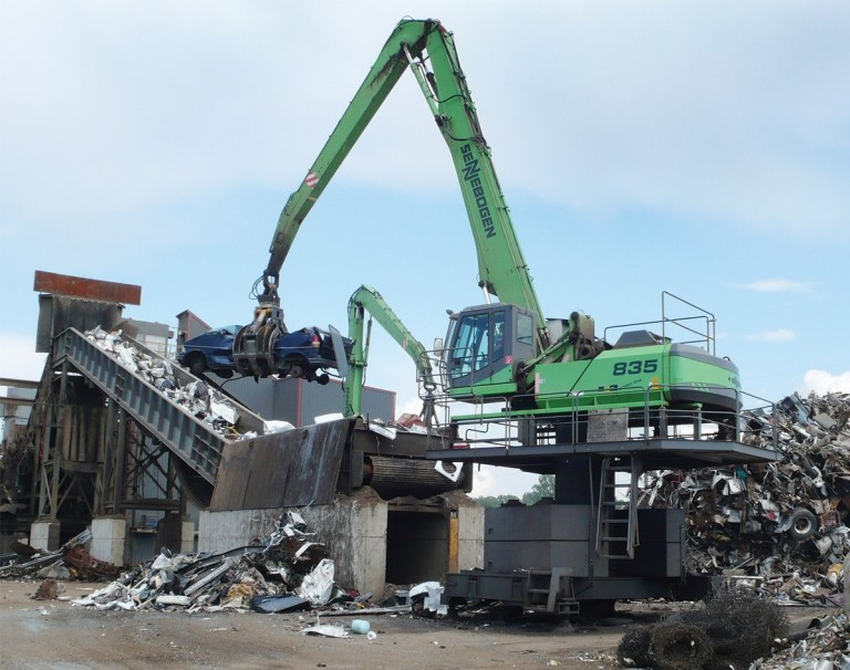 835 Stationary E-Series Material Handlers