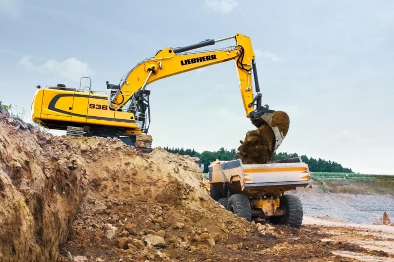 R 936 Compact Litronic Excavators