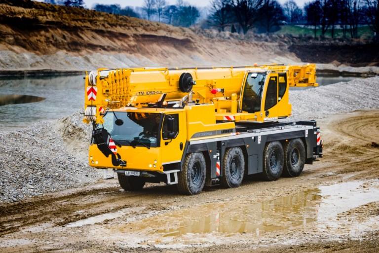 LTM 1090-4.2 Mobile Cranes