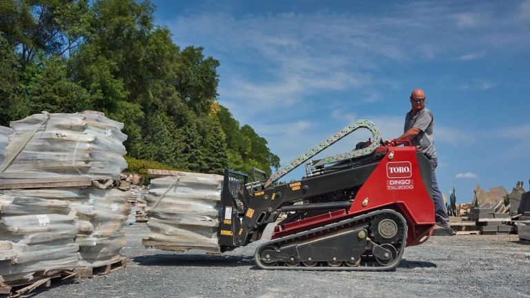 Toro Dingo TXL 2000 boasts telescoping arms and 2,000-pound capacity rivalling small CTLs and SSLs