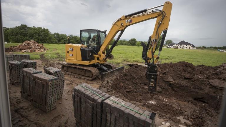 Cat S New 6 Ton Class Mini Hydraulic Excavator Features