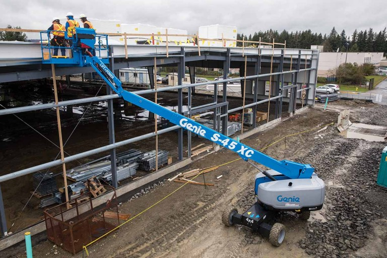 Genie - A Terex Brand - S-40 XC™ and S-45 XC™ Telescopic Boom Lifts