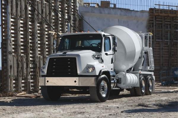 Freightliner Trucks 114SD SBA Cement Mixer